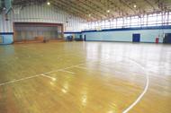 体育館フロアー全面改修 (バスケ新ルール対応)